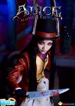《愛麗絲:瘋狂回歸》女神COS 菜刀在手別輕舉妄動